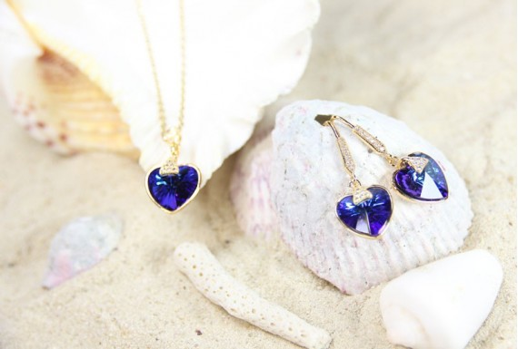 Stainless steel blue heart crystal set